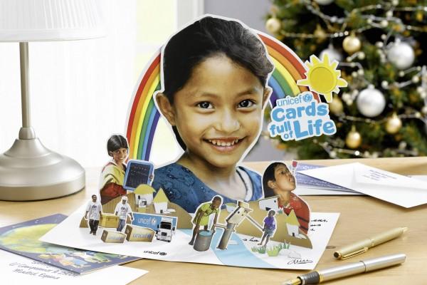 Faits une différence avec nos cartes et cadeaux