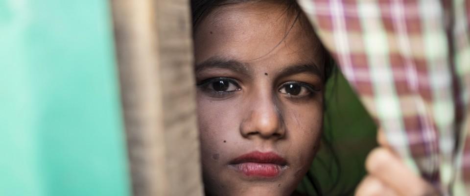 La saison cyclonique et les risques de violence menacent les enfants rohingyas