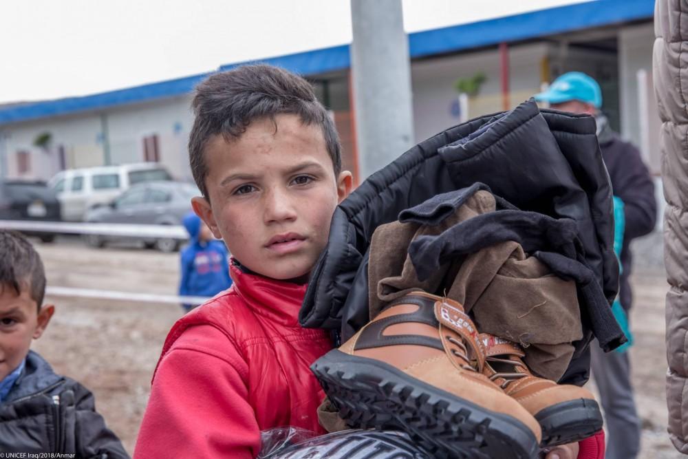 Des vêtements chauds pour les enfants syriens